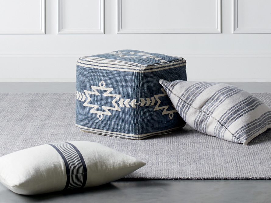Gamba Pouf, slide 1 of 4