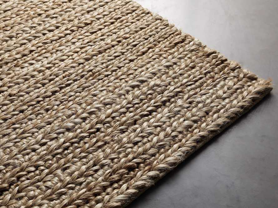 Braided Jute 6' x 9' Handwoven Rug