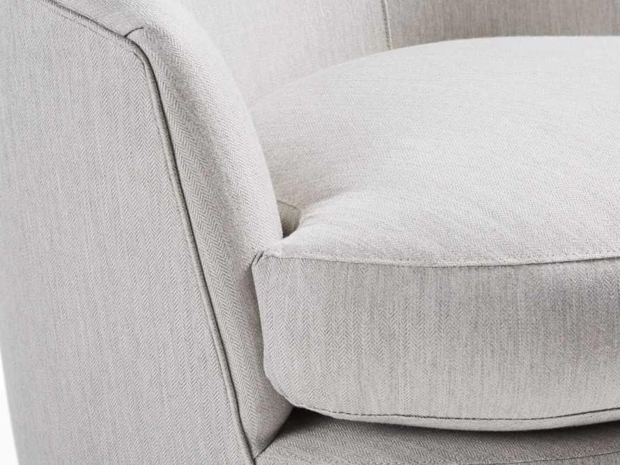 "Kyra 32"" Outdoor Swivel Chair"
