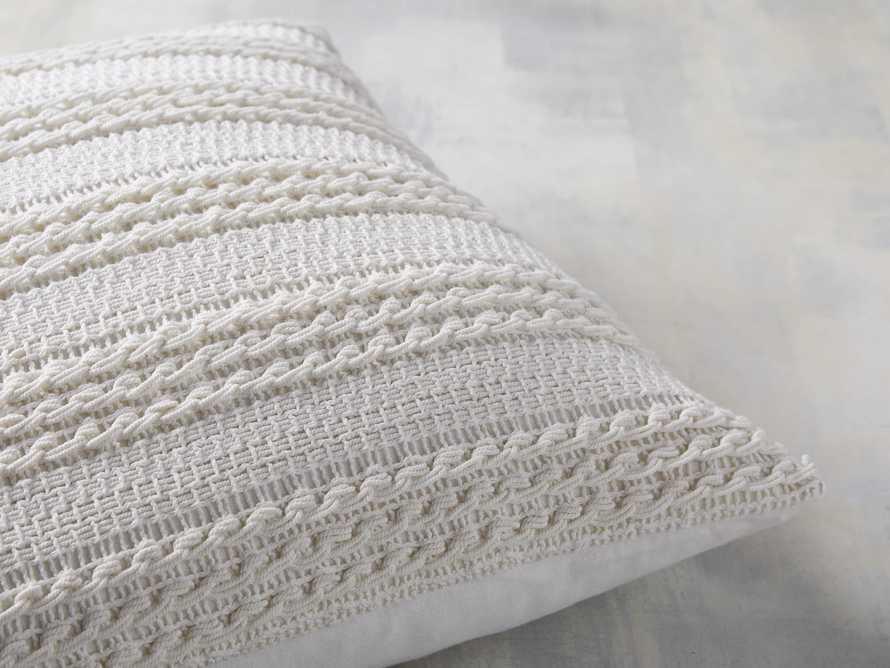 Arundel Pillow