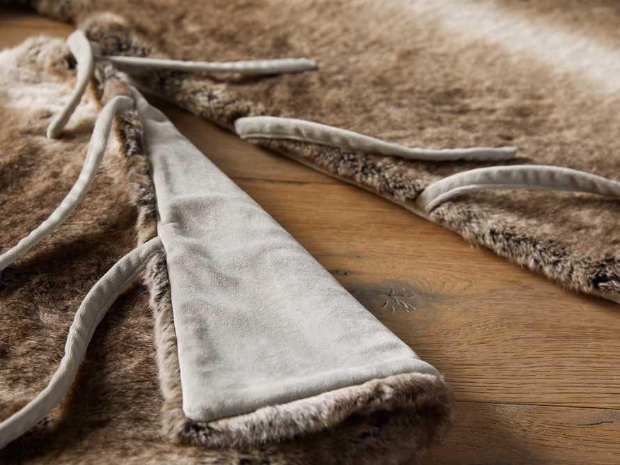 Grey Wolf Faux Fur Tree Skirt