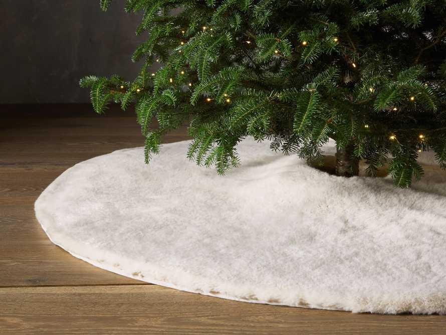 Ivory Faux Fur Tree Skirt