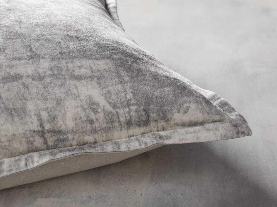 Raina Pillow, slide 4 of 4