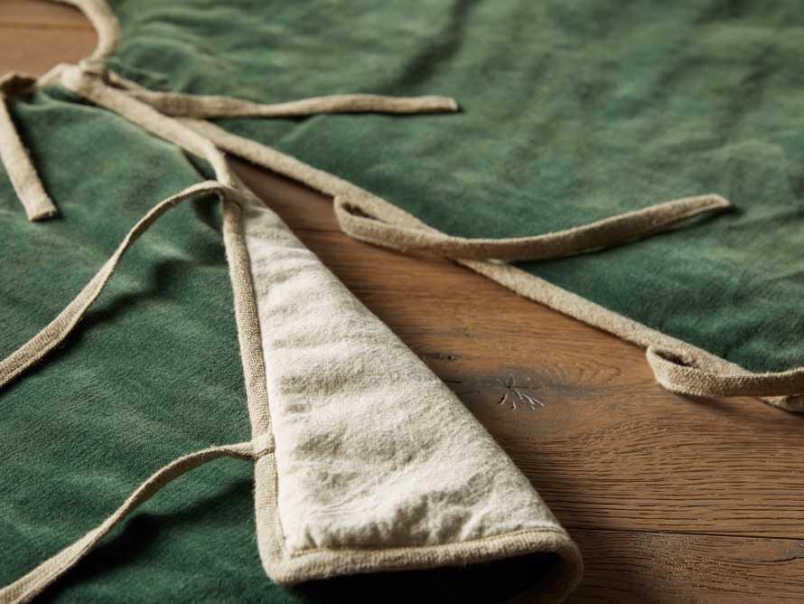 Stone washed Velvet Tree Skirt in Green