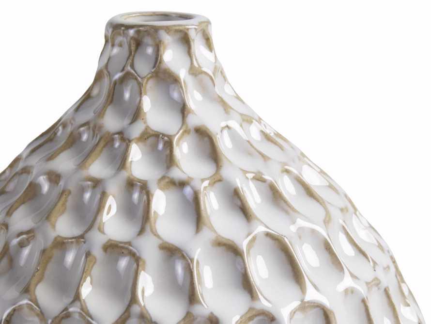 Eva Bud Vase in Cream