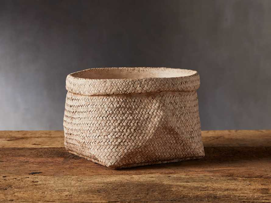 Woven Folded Rim Planter, slide 1 of 5