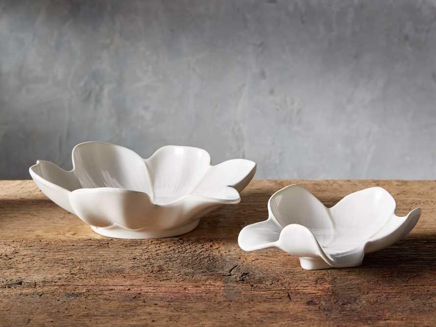 "Magnolia 8"" Plate in Cream"