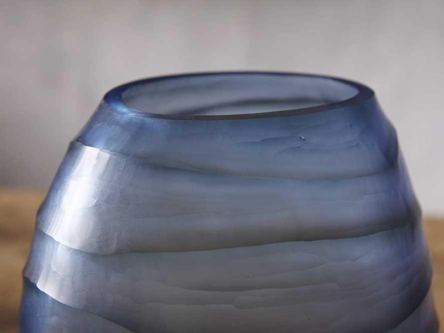 Marella Vase, slide 2 of 3
