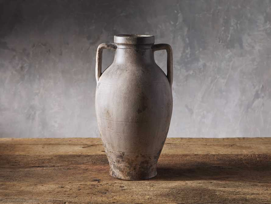 Umbria Urn, slide 1 of 2
