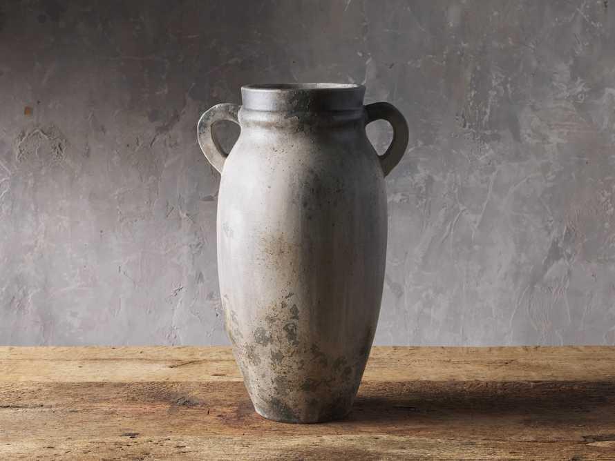 Umbria Large Urn, slide 1 of 2