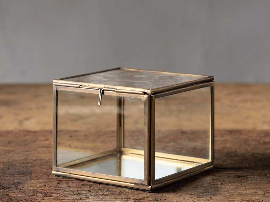 Vienne Display Box, slide 1 of 3