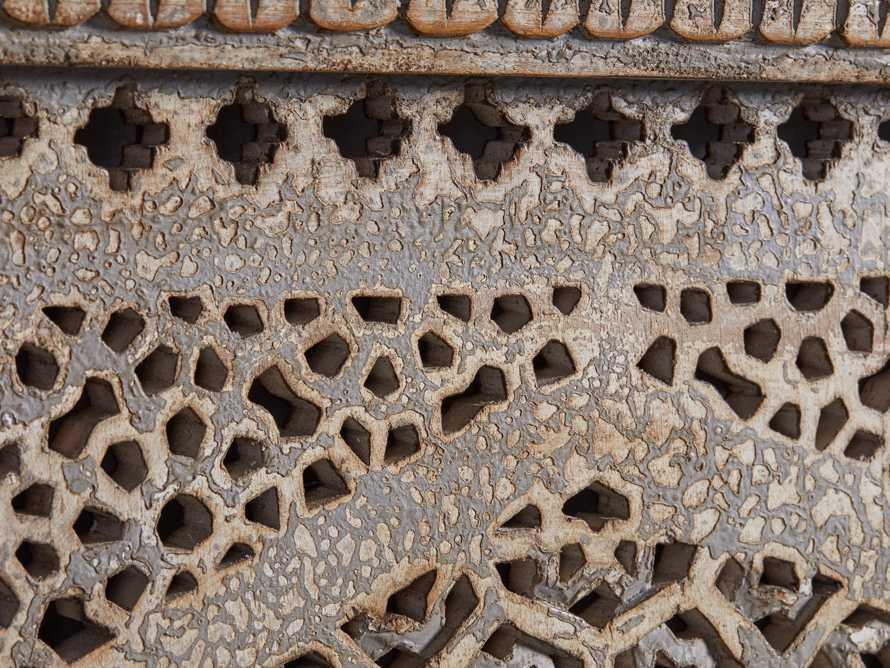 Uma Arch Panel, slide 3 of 6