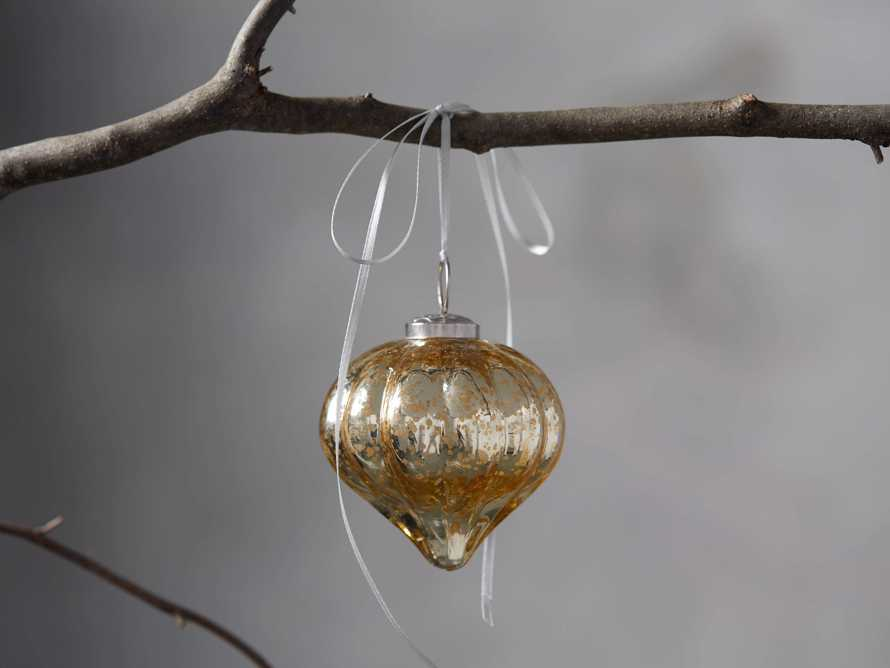 Channel Turnip Ornament in Gold set