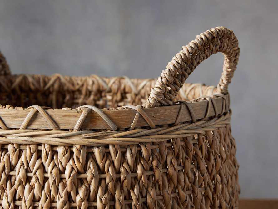 Round Entry Basket, slide 2 of 4