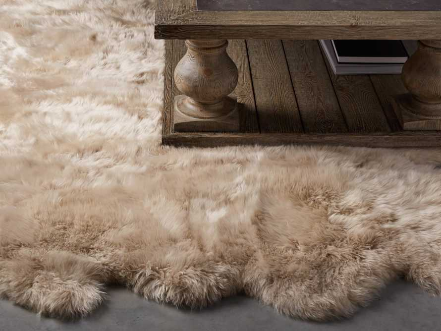 Sheepskin Wool 6' x 5' Rug In Linen