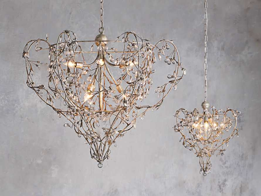 Luisa Chandelier, slide 6 of 8