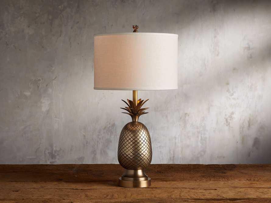 Leilani Pineapple Table Lamp