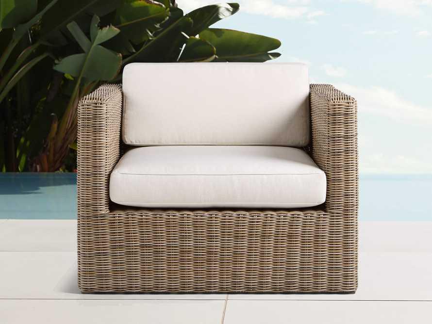 "Avalon Outdoor 37"" Swivel Chair"